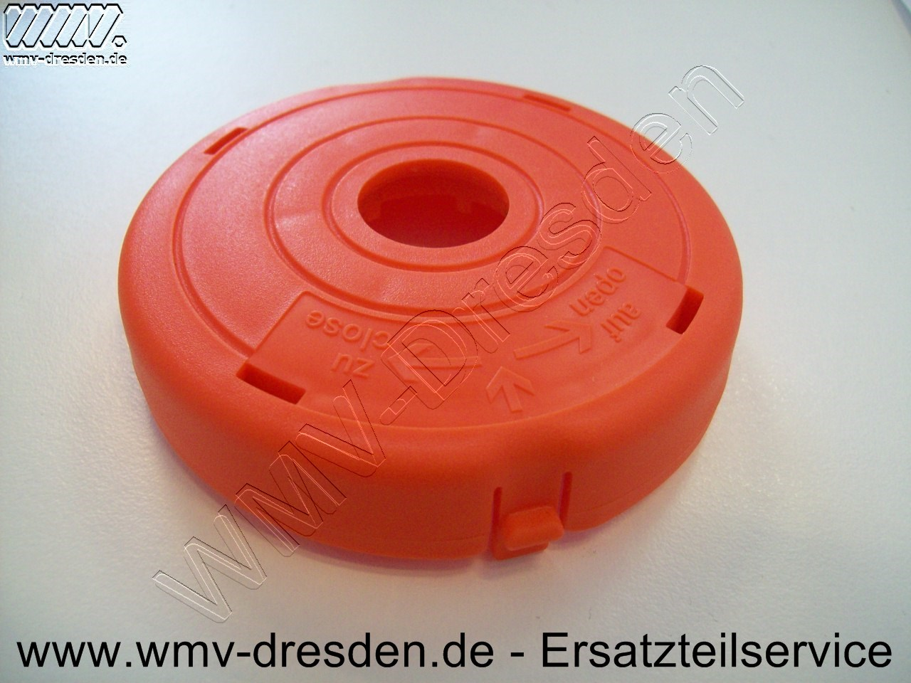 Deckel Rot, Aussendurchmesser 83 mm, Innenloch 18 mm, eine kleine Befestigungslasche >>> nur für Fadenspule Türkisfarben